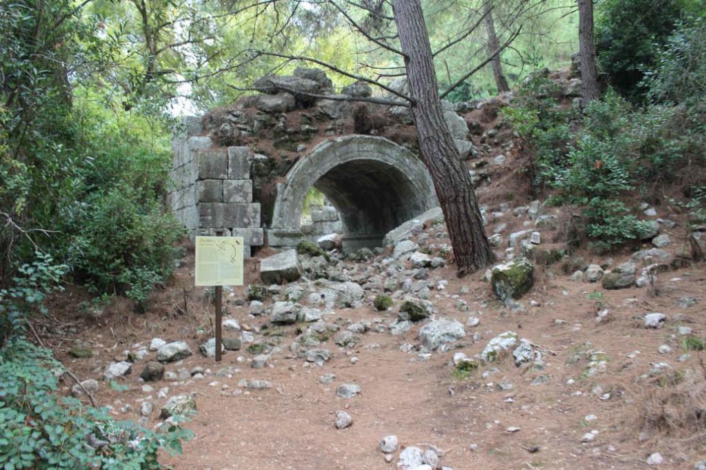 Амфитеатр в Олимпосе