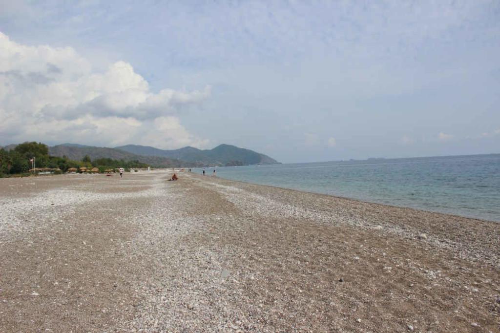 Пляж Чиралы